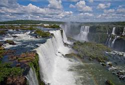 Водопад игуасу является одним из